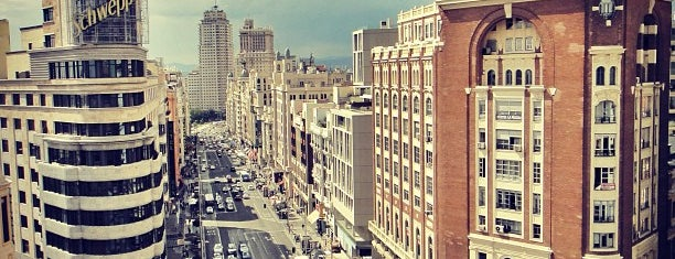 Gran Vía is one of Volta ao Mundo oneworld: Madrid.