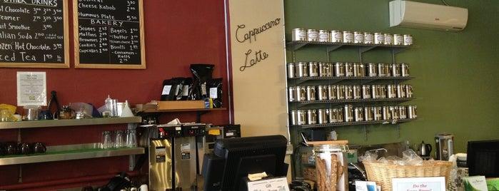 The Attic Books & Coffee is one of Lugares favoritos de Sharifa.
