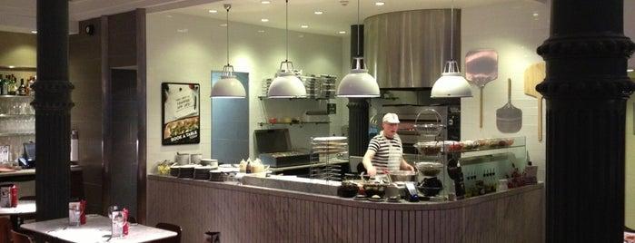 PizzaExpress is one of Orte, die Daniel gefallen.