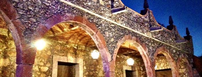 Casa De Piedra is one of Leon.