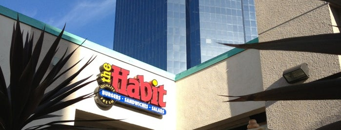 The Habit Burger Grill is one of Lugares favoritos de Jeff.