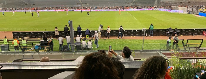 Zona Palcos Estadio Azteca is one of Brian : понравившиеся места.