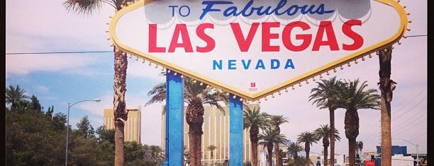 Welcome To Fabulous Las Vegas Sign is one of Alicia's Top 200 Places Conquered & <3.