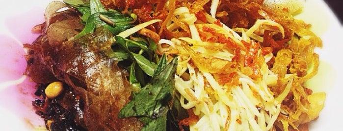 Bánh tráng trộn chú Viên is one of 🚁 Vietnam 🗺.