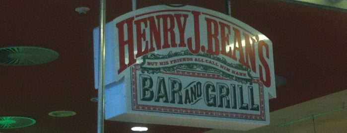 Henry J. Bean's is one of Lugares guardados de Hector.