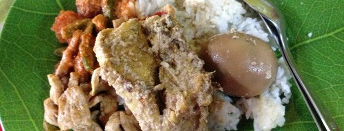 Gudeg Yogya Bu Darmo is one of food jakarta.