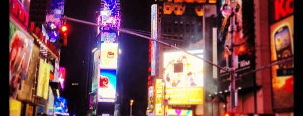 W New York - Times Square is one of Tempat yang Disukai Marcello Pereira.