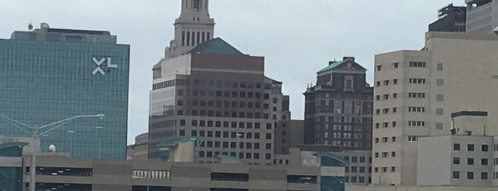 Downtown Hartford is one of Lieux qui ont plu à Andrew.