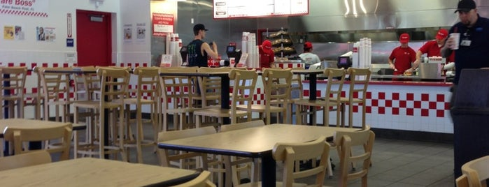 Five Guys is one of Tempat yang Disukai Jerry.
