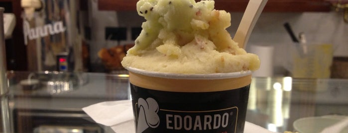 Edoardo is one of Mangiare vegan a Firenze.