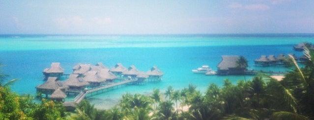 Bora Bora is one of Sitios Internacionales.