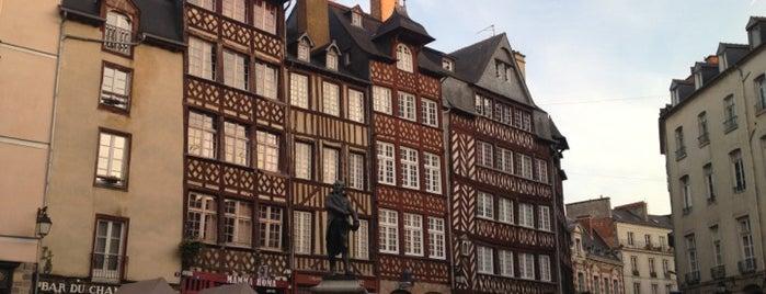 Place du Champ Jacquet is one of Bienvenue en France !.