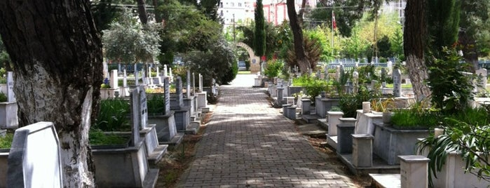 Uncalı Kent Mezarlığı is one of Posti che sono piaciuti a 🌜🌟hakan🌟🌛.