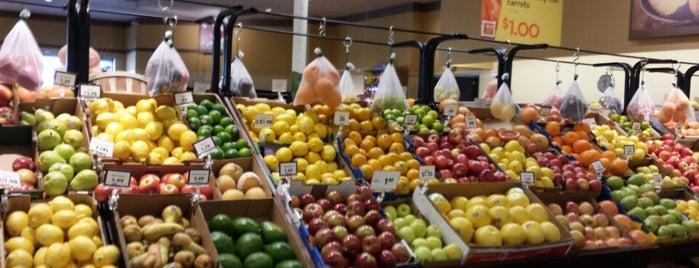 Mariano's Fresh Market is one of Orte, die Donna gefallen.