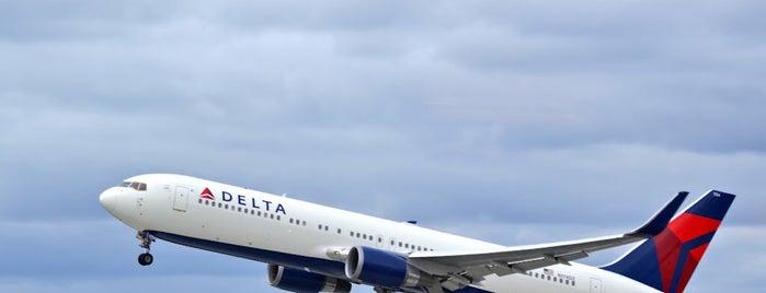 Delta Sky Club is one of EUA - Oeste.