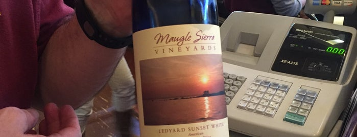 Maugle Sierra Vineyards is one of Mytic.