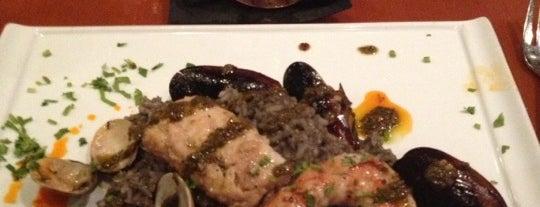 El Vitral Restaurant is one of สถานที่ที่บันทึกไว้ของ Jarin.