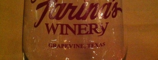 Farina's Winery & Cafe is one of Grapevine.
