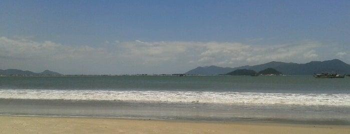 Praia da Pinheira is one of Best places in Garopaba, Rosa e Guarda do Embaú.