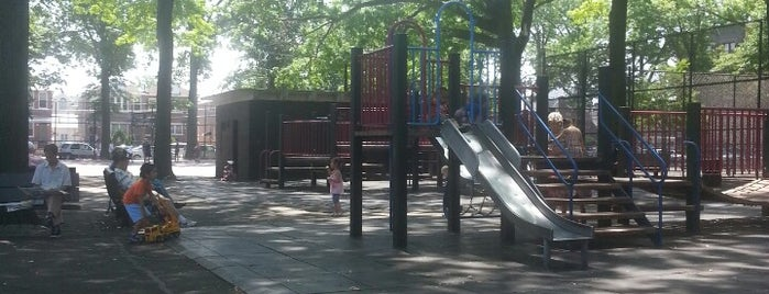 Mellett Playground is one of Where to play ball — Public Courts.