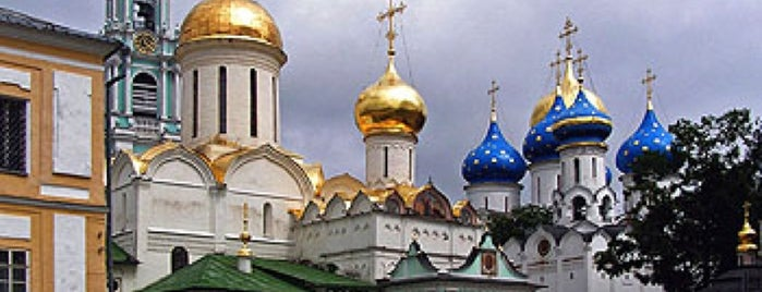 The Holy Trinity-St. Sergius Lavra is one of Tempat yang Disukai Jano.