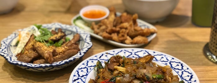 Soi Thai Kitchen is one of Tempat yang Disukai Chuck.