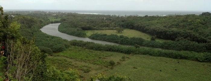 Wailua River State Park is one of Lugares favoritos de Maggie.
