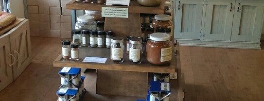 Savory Spice Shop is one of Locais curtidos por Lindsaye.