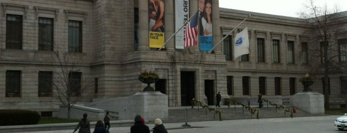 Museo de Bellas Artes is one of Massachusetts.