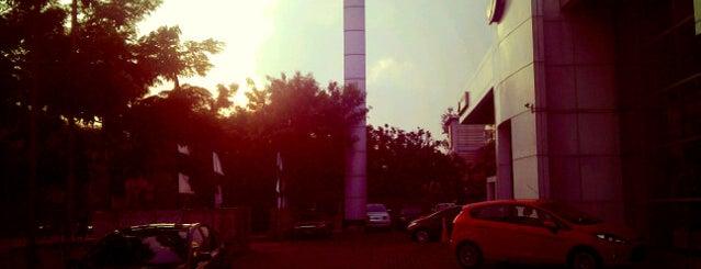 Ford Jakarta Selatan is one of Public.