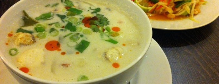 Mays Thai Malaysian Cafe is one of สถานที่ที่บันทึกไว้ของ Ben.