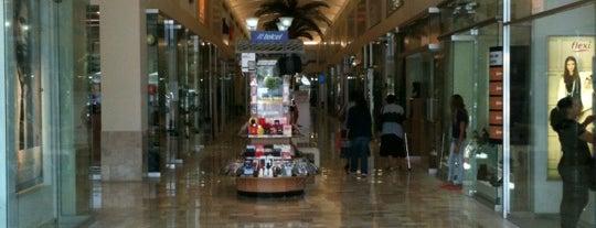 Galería del Zapato is one of Tempat yang Disukai Andre.