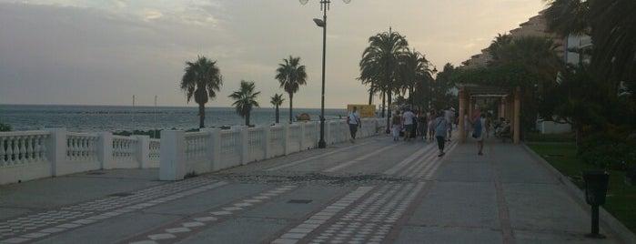 Paseo Marítimo Benalmádena is one of Posti che sono piaciuti a Emilio.