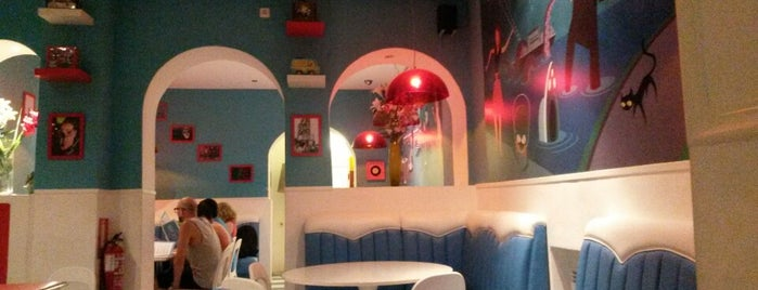Lunch Box Restaurant & Tiki Room is one of Comilona y copeteo en Madrid.