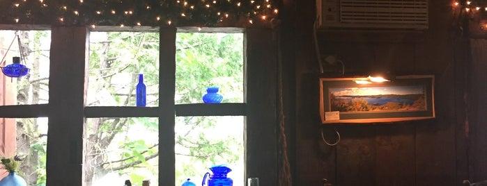 The Log Jam Restaurant is one of Tempat yang Disukai David.