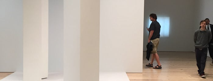 Whitney Museum of American Art is one of สถานที่ที่ Nuff ถูกใจ.