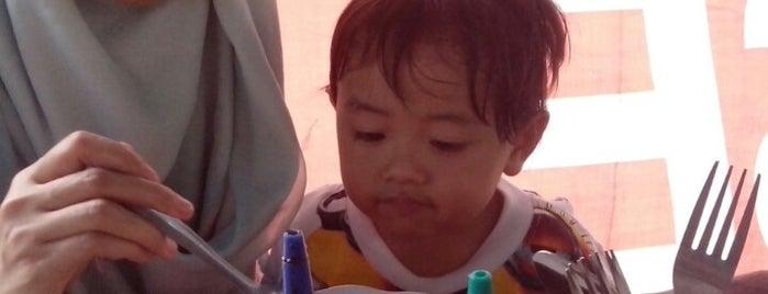 Soto Bening Mang Bonin is one of Iyanさんのお気に入りスポット.