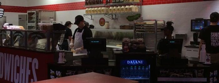 Jimmy John's is one of Tempat yang Disukai Richie.