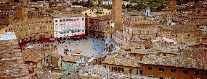 Siena is one of Posti che sono piaciuti a Pumky.