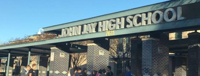 John Jay High School is one of Linda 님이 좋아한 장소.