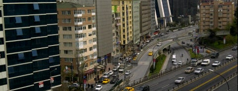Divan İstanbul City is one of Locais salvos de Mithat.