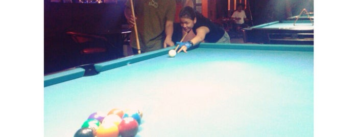 Hanggar Billiard Center is one of Chillin.