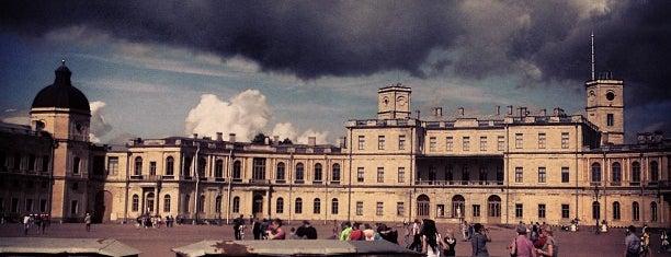 Плац Гатчинского дворца is one of Posti che sono piaciuti a Anastasia.