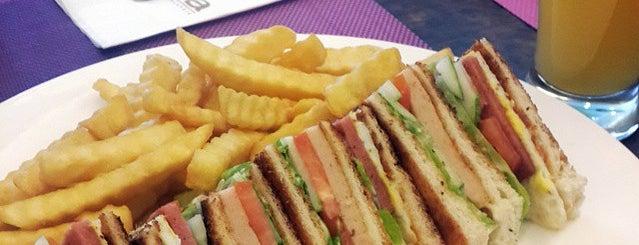 Lido Cafe is one of Locais curtidos por Alina.