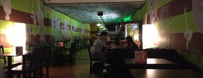 Hauzol Café is one of Bars.