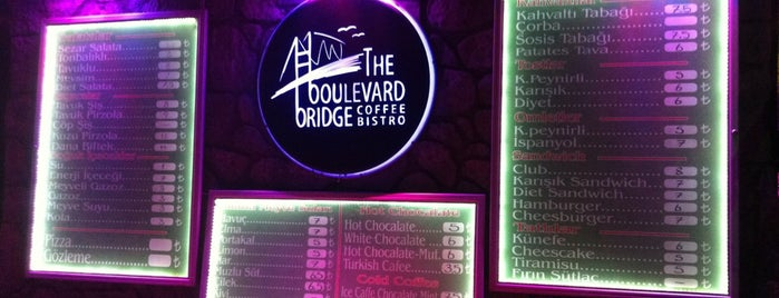 The Boulevard Bridge Coffee & Bistro is one of Locais curtidos por Merve.