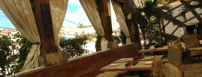 Esquina Bar is one of Culinary Cabo..