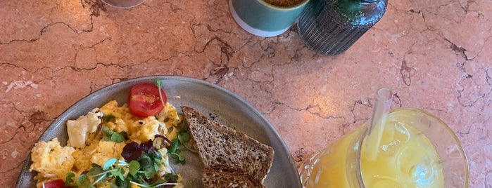 Mary's Coffee Club is one of Munich Breakfasts.