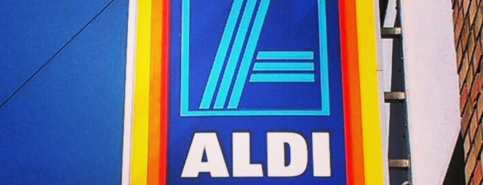 Aldi is one of Lieux qui ont plu à Zsolt.