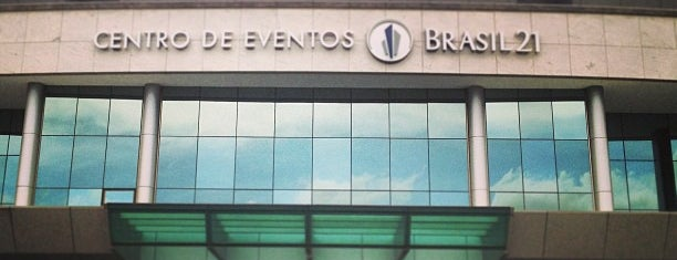 Centro de Convenções Brasil 21 is one of Locais curtidos por Mariana.